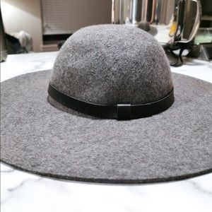 Gorgeous Hat from H&M Large